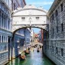 venezia veneto italia ponte dei sospiri gondole lago